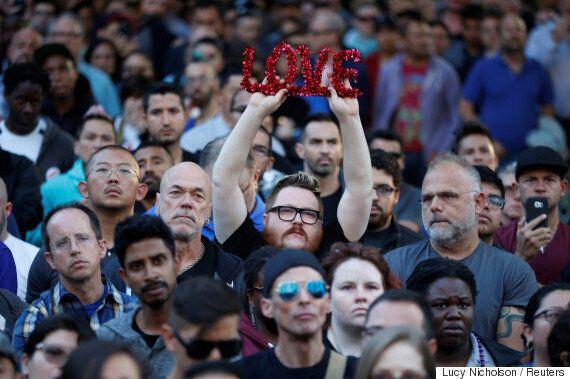 친애하는 미국이여, 사랑만 말하는 것은 충분하지 않다, 분노해야