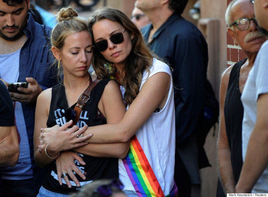 [화보] 올랜도 테러에 맞서 세계 곳곳에서 지지와 연대, 사랑을 외치는