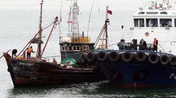 불법조업 중인 중국 어선 2척이 당국에