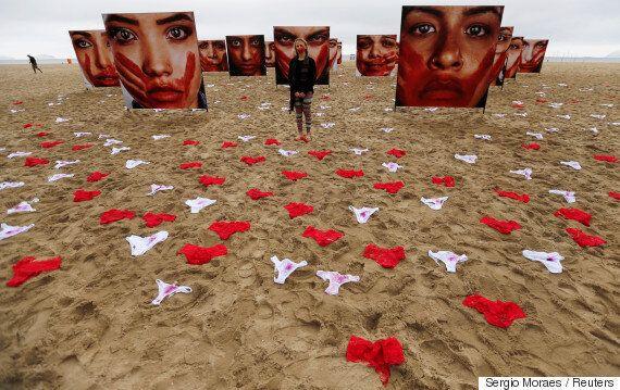 420여벌의 팬티와 20여명의 여성 얼굴이 브라질 해변을