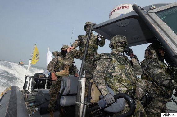 군경은 이틀째 한강하구에서 중국어선 차단작전을