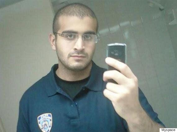 이 남성이 어제 게이 클럽에서 총기를