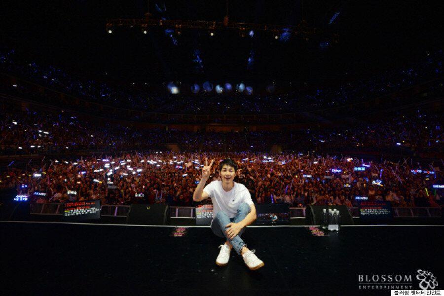 중국에선 송중기의 팬 미팅에 2만여 명이 온다는 증거