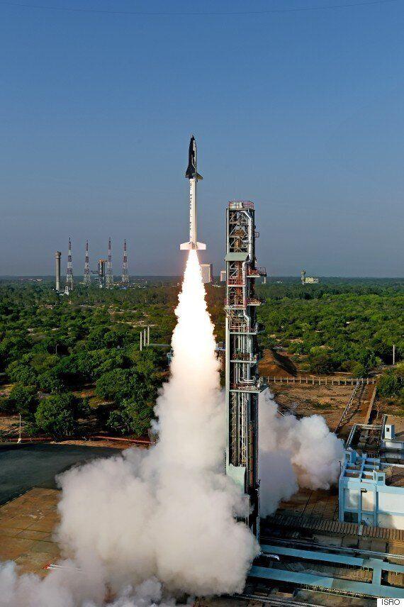 인도, 우주왕복선 시험기 발사에