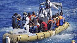 지중해 향하던 '난민 보트', 난파돼 350명이 바다에