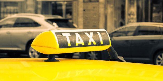 택시기사는 승객이 보이스피싱 조직원이라는 걸