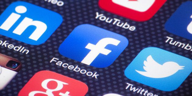 미국 성인의 절반이 페이스북으로 뉴스를