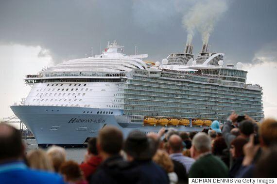 세계 최대 크루즈가 항해를