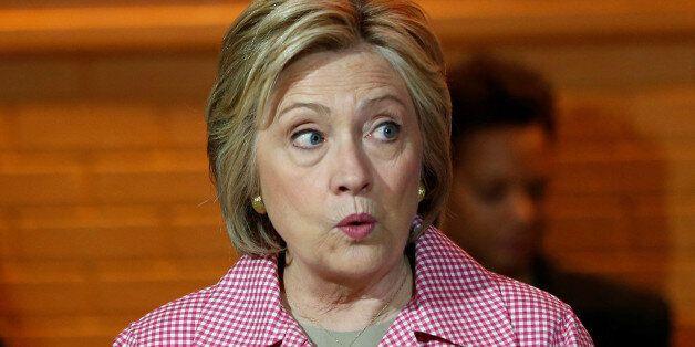 힐러리 클린턴의 '호감도' 문제는 당신의 문제지 클린턴의 문제가