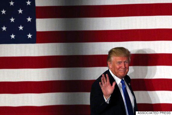 도널드 트럼프가 히스패닉에게 '각별한 애정'을 표시하며 '러브레터'를 보내다