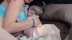 아기가 엄마의 몸에서 나오는 순간을 가감없는 사진으로