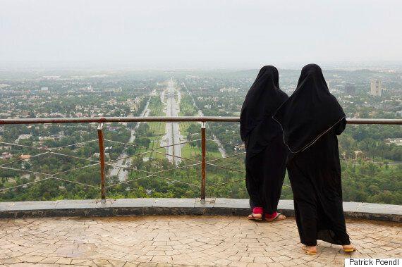 파키스탄 성직자가 섹스 거부하는 아내를 '가볍게' 때려도 좋다는 법안을