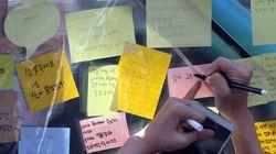 '강남역 10번 출구'에 붙은 '강남역 살인' 피해자를 추모하는