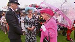 카메라에 포착된 영국 여왕·총리의 '외교결례'