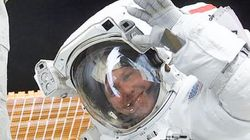 NASA 우주인이었던 톰 존스는 '한때 UFO의 팬'이었으나 이제는