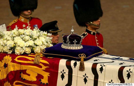 인도 정부, 167년 전 공물로 바쳐진 영국 왕관의 다이아몬드 반환을 요청하지 않겠다고
