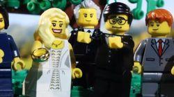 레고로 재구성한 한 커플의 러브스토리