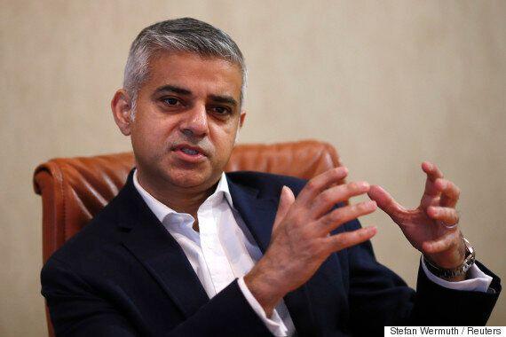 영국 런던 시장 선거에서 사디크 칸이 역사상 첫 무슬림 시장으로