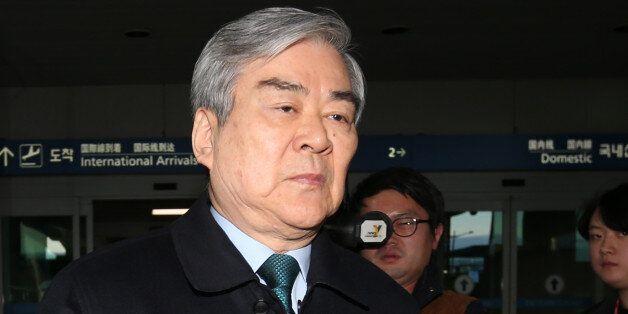 경영난 겪어온 한진해운 조양호 회장 손 떠났다 : 채권단에 자율협약