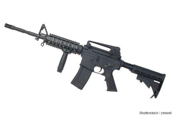 6억원짜리 벤츠 마이바흐를 전투용 소총으로 쏘면 이런 모습이
