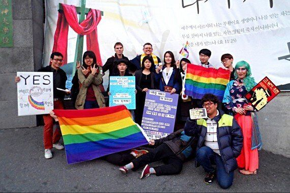게이, 드랙퀸 허리케인 김치, 서울을