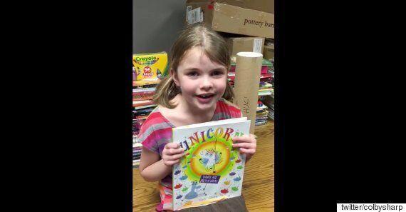 화재로 책을 잃은 소녀를 위한 엄청난