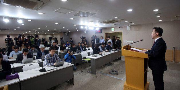 북한 해외식당 종업원 '집단 탈북 긴급발표', 청와대가