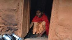 소녀가 5일 동안 더러운 헛간에서 지내야 하는 이유는 많은 여성들이 하는