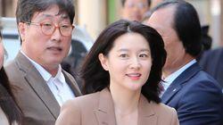 배우 이영애가 유세 현장에 나타났다(사진