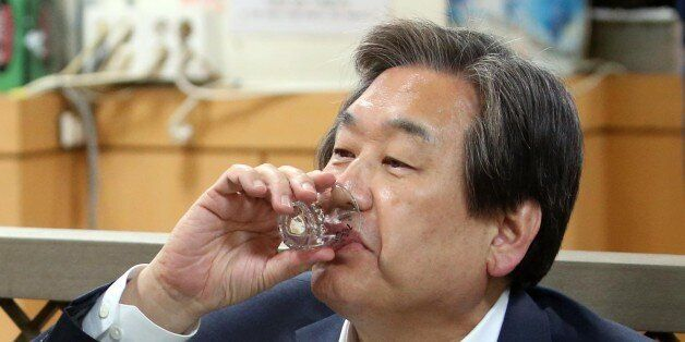 김무성-원유철의 '자갈치 회동'은 소주만 마시고