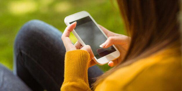 항상 휴대폰을 들여다 보고 있으면 당신의 뇌에는 이런 일이