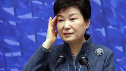청와대, '김무성 옥새 투쟁'에 (뒤에서) 격앙된 반응을