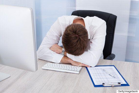과로가 많기로 유명한 기업들도 직원의 잠을 신경쓰고