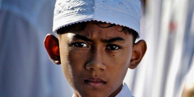 무슬림은 테러를 절대 사과하지 말아야