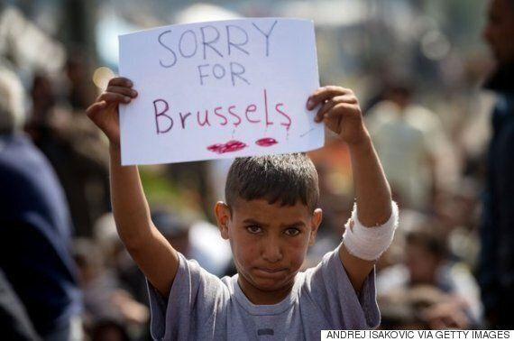 난민 캠프에서 고통받는 사람들이 브뤼셀에 애도를