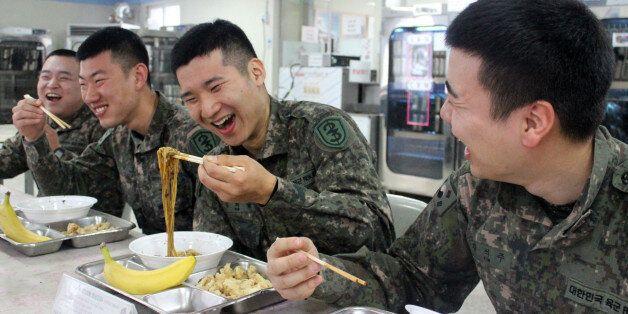 군 상병 월급 22만6100원으로 27% 오른다.