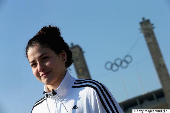 살기 위해 헤엄쳤던 난민 소녀는 이제 올림픽을 향해 헤엄치는