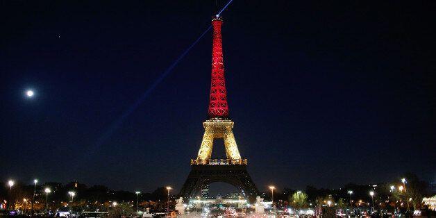 유럽, 벨기에 국기 색으로 연쇄폭발 희생자를