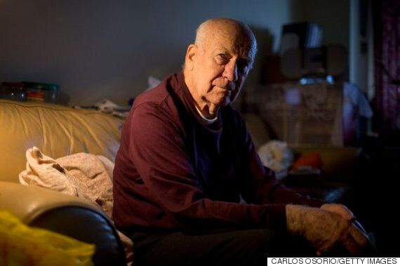 개를 잃은 고독한 노인을 위로한 인터넷 세상의