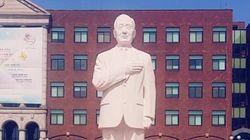 경인여대에 '건국대통령'의 이름으로 이승만 전 대통령 전신 석상이