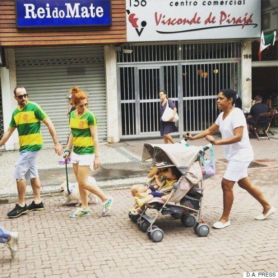 이 브라질 부부 시위자의 사진이 브라질 전체를 엄청난 논쟁으로 몰아간