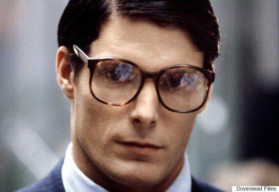 슈퍼맨은 안경 하나면 정체를 숨길 수 있다는 걸 슈퍼맨이 직접