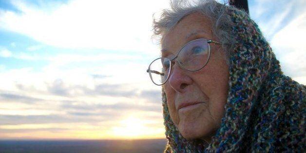 암 판정을 받은 90살 할머니는 치료 대신 여행을