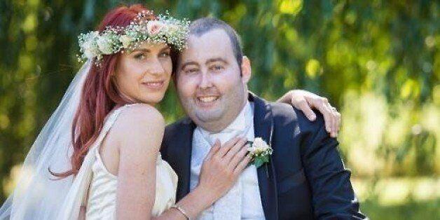뉴질랜드 여성, 2개월 시한부 남성과 눈물의 결혼식을