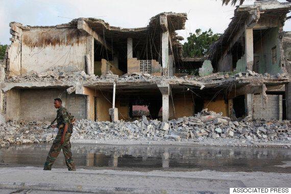 소말리아 수도 호텔에서 폭탄·총격테러 : 50여명