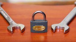 '스패너' 2개만 있으면 자물쇠를 끊을 수