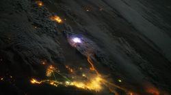 우주정거장에서 지구의 '번개'를