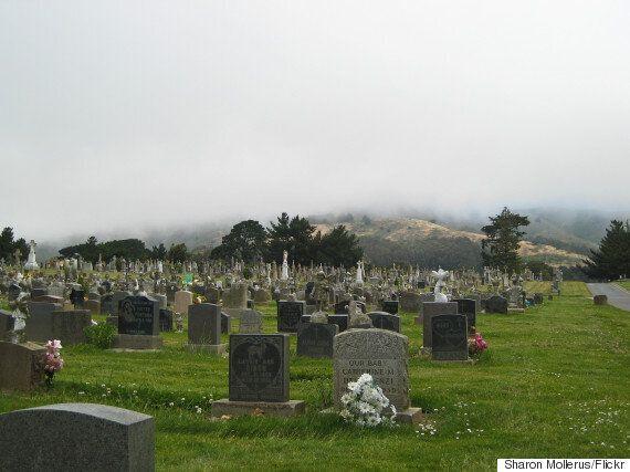 산 사람보다 죽은 사람이 800배 많은 도시가