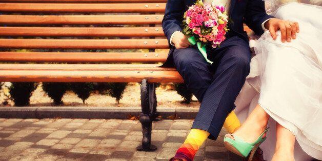남편의 결혼 반지에 의미심장한 메시지를