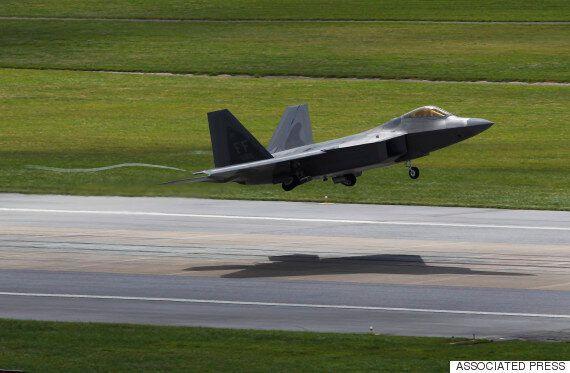 미국의 F-22 스텔스 전투기가 한국에